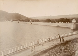 Bund of the Fatehsagar Lake, Udaipur